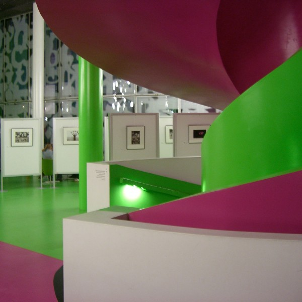 Architektur von Herzog de Meuron trifft Hydrographie von Thomas Michel