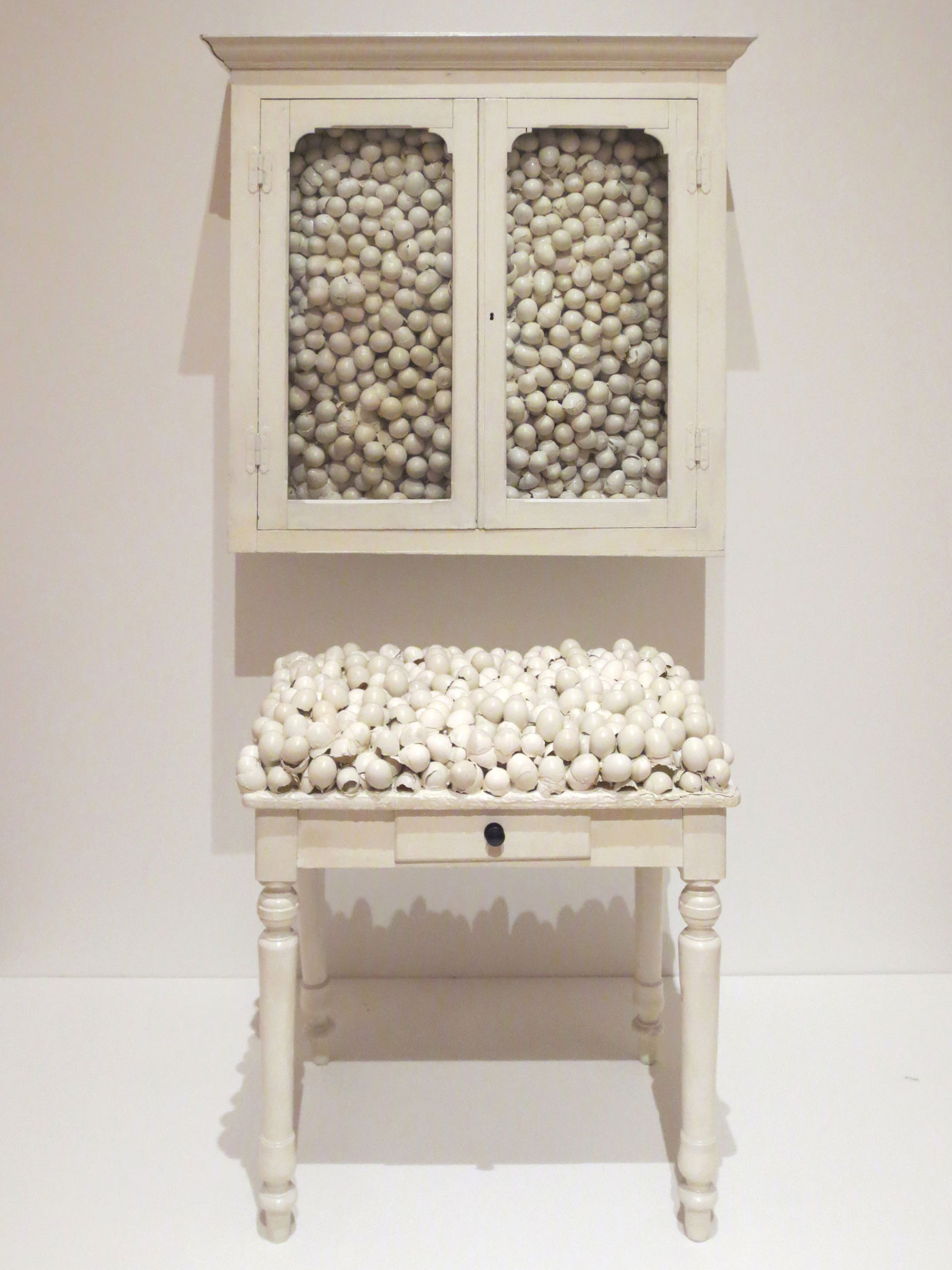 Marcel Broodthaers, White Cabinet and White Table